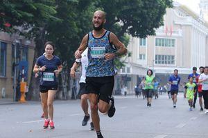 Du khách người Anh về nhất cuộc thi cuộc Mottainai Run