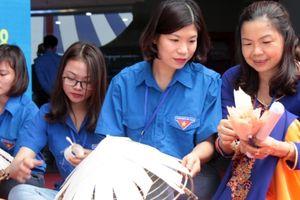 Thi 'Bàn tay vàng thanh niên các làng nghề truyền thống'