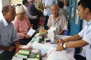 Bệnh viện 198 khám bệnh, cấp phát thuốc miễn phí tại Nam Định