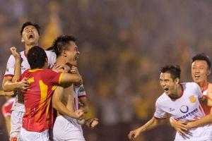 Khoảnh khắc ấn tượng trong trận play-off giữa Nam Định và Hà Nội B