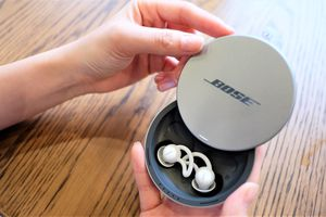 Chi tiết Bose Sleepbuds - mẫu tai nghe chỉ đeo khi ngủ