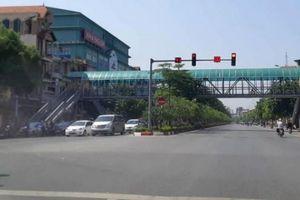 Các tuyến đường ở Hà Nội: 'Đốt' tiền tỷ vì cây xanh bị tráo, chết gần 3/4