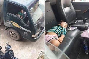 Vô tư ngủ trên xe tải, bé gái gợi 'cả trời thương nhớ'
