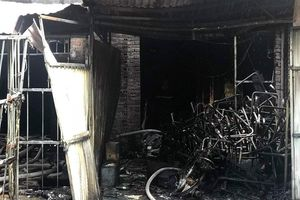 Hà Nội: Cháy lớn tại Khu đô thị Trung Văn, nghi có người mắc kẹt