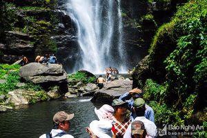 40 doanh nghiệp du lịch và truyền thông Lào khảo sát du lịch tại Nghệ An