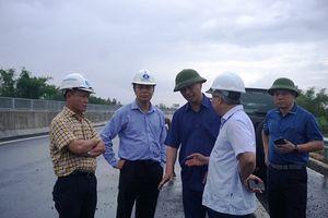 Cao tốc Đà Nẵng - Quảng Ngãi hư hỏng: Thứ trưởng bộ GTVT bức xúc