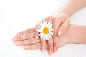 Cách khắc phục móng tay giòn và dễ gãy