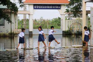 Gian nan đến trường mùa nước lũ