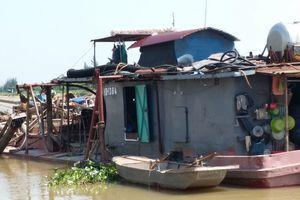 Cận cảnh cát tặc và dân nuôi ngao hỗn chiến ngoài cửa biển