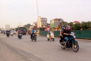 Hà Nội: AQI tại các điểm quan trắc giao thông tăng cao trong ngày cuối tuần
