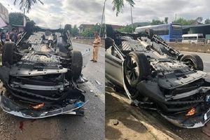 Thông tin mới nhất vụ xe ô tô lật ngửa, vợ phó giám đốc Sở TN&MT tử vong