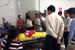 Long An: Hỗ trợ 6 học sinh bị điện giật thương vong trước cổng trường