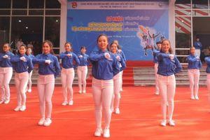 12 đội tranh tài tại Liên hoan dân vũ và các điệu nhảy cổ động thành phố Hà Nội