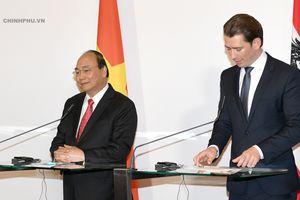 Thủ tướng Áo: Doanh nghiệp Áo hài lòng khi làm việc tại Việt Nam