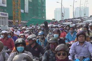 Sập mái che, phong tỏa hầm Thủ Thiêm: Người Sài Gòn chôn chân cả tiếng giữa trung tâm