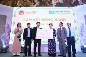 10 tỷ đồng Học bổng Dạ hương - Chung sức cùng nữ thầy thuốc tương lai