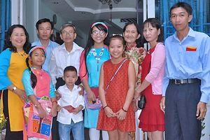 Vị phó giám đốc sở từ chối cho con du học nước ngoài