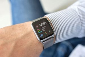 Chọn đồng hồ thông minh của Apple, Samsung hay LG?