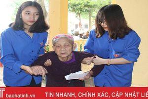 100 người cao tuổi ở Nghi Xuân được khám bệnh miễn phí