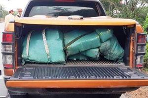 Hé lộ số ma túy đá 'khủng' 2 đối tượng bỏ lại trong xe ô tô rồi chạy trốn