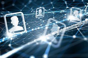 Trên thế giới Chính phủ nào cũng muốn quản lý các mạng thông tin, nhưng các sản phẩm mới, những tỷ phú vĩ đại vẫn xuất hiện rầm rầm