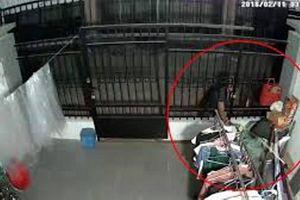 Thanh niên đột nhập vào căn hộ trộm áo ngực