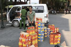 Lao ô tô vào tổ công tác, cắn CSGT bị thương
