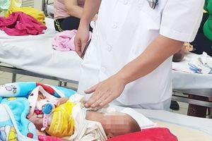 Trước tình thế chỉ có thể cứu sản phụ hoặc con, bác sĩ cứu được cả 2