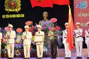 Khoa An ninh điều tra đón nhận Huân chương Bảo vệ Tổ quốc hạng Ba