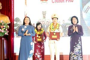 Trao giải thưởng Phụ nữ Việt Nam năm 2018 cho 5 tập thể và 10 cá nhân