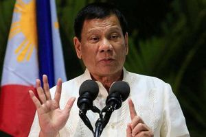 Tổng thống Philippines hoãn kế hoạch tăng thuế nhiên liệu