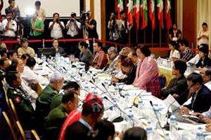 Myanmar khởi động đàm phán hòa bình 3 bên
