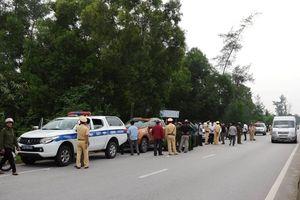 CSGT Quảng Bình bắt xe chở hơn 3 tạ ma túy đá
