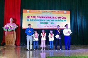 Công đoàn Công ty CP Supe Phốt phát và Hóa chất Lâm Thao: Tuyên dương, khen thưởng 165 học sinh giỏi các cấp