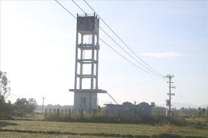 Người dân chịu 'khát' bên nhà máy nước sạch gần 8 tỉ đồng