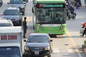 Xuất ngoại khảo sát buýt nhanh BRT: Truy trách nhiệm thế nào?