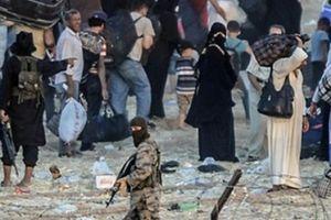 Nga tố Mỹ để mặc IS bắt 700 người làm con tin ở Syria