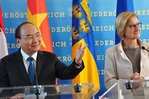 Thủ tướng rời Áo, lên đường tham dự ASEM 12, P4G và thăm Bỉ, EU