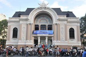 Ngành văn hóa nói về nhà hát 1.500 tỉ, sân vận động 6.000 tỉ đồng