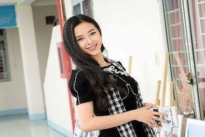 Á hậu Việt Nam 2018 - Thúy An truyền cảm hứng cho sinh viên khởi nghiệp