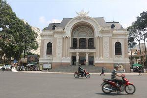 Bí thư TPHCM: Tiền xây bệnh viện, trường học gấp 53 lần tiền xây nhà hát Thủ Thiêm