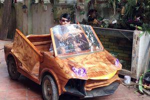 Choáng với 'siêu xe' Lamborghini...bằng gỗ chạy băng băng trên đường phố