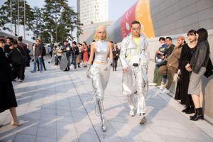 Phí Phương Anh gây ấn tượng tại Seoul Fashion Week với đồ hiệu bạc tỉ