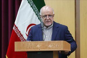 Iran cáo buộc các lệnh trừng phạt của Mỹ là nguyên nhân khiến giá dầu tăng