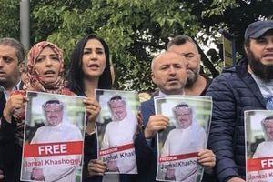 'Bằng chứng' ở lãnh sự quán Saudi Arabia có thể giúp sáng tỏ vụ nhà báo Jamal Khashoggi mất tích?