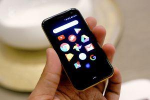 Smartphone huyền thoại Palm trở lại với thiết kế 'tí hon' vô cùng độc đáo