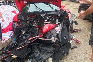Siêu xe Ferrari của ca sĩ Tuấn Hưng nát bét đầu sau tai nạn