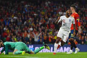 Tây Ban Nha lập kỷ lục buồn khi thua Anh