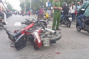 Hai xe máy va chạm, hai người chấn thương sọ não
