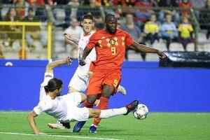 Sao MU lĩnh xướng hàng công tuyển Bỉ ở trận đấu với Hà Lan